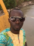 oums, 33  , Conakry