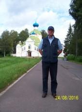 Viktor, 68, Russia, Saint Petersburg