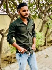Mannu GiLL, 22, India, Jalandhar