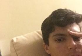Luis Cabañas, 21 - Just Me