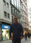 jule 555, 33, Lisbon
