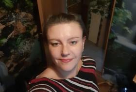 Lidiya , 36 - Just Me