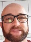 Gilberto , 48  , Telemaco Borba