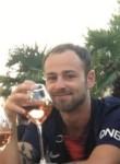Enzo, 23  , Paris