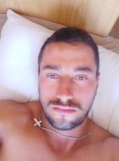 Vali, 26, Spain, Coslada