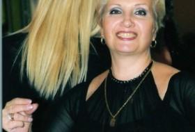 victoria, 60 - Just Me