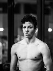 Paul, 19, France, Paris