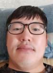 김복중 , 35  , Gwangju