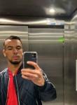 Riad, 24, Nice