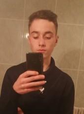Cristiano, 18, Portugal, Serta