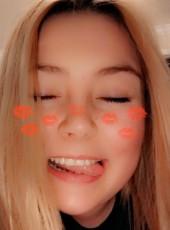 Chloe, 18, United States of America, Washington D.C.
