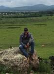 Cristobal , 27  , Leon