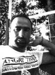 Emre, 35  , Turki