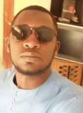 baron, 28, Senegal, Dakar