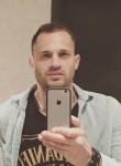 Iulian, 38  , Ungheni