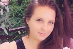 Anyuta, 32 - Just Me