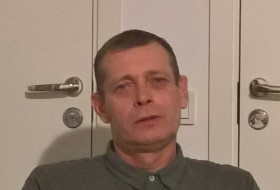 vadim, 56 - Just Me