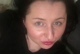 yuliya, 31 - Just Me