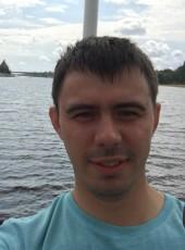Yaroslav, 30, Kenya, Meru