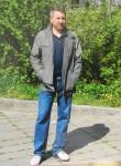 Yuriy Savrukhin, 55  , Kolpino