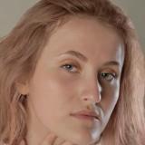 Ekaterina , 21  , Donetsk