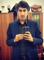 Dmitriy, 35, Russia, Magadan