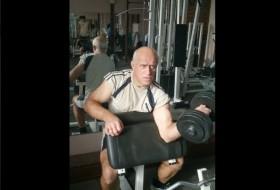 Valeriy, 57 - Just Me
