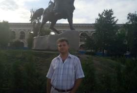 Viktor, 46 - Just Me