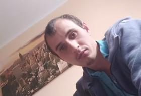 Yevhenii, 28 - Just Me