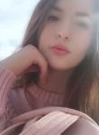 Kseniya, 19  , Los Angeles
