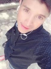 Lusvin chavez, 20, Guatemala, Nahuala