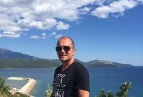 Petar, 42 - Just Me