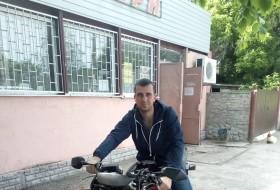 Ruslan, 32 - Just Me