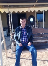 sasha, 42, Russia, Feodosiya