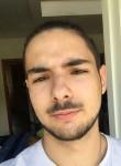 Flavio, 19  , Paris