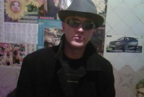 Vitaliy, 35 - Just Me