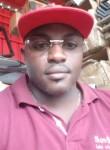 André , 44  , Libreville