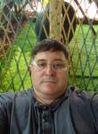 Mikhail, 46, Nogliki