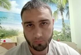 Tagir , 31 - Just Me