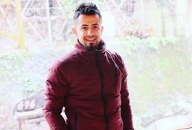 Ahmet, 24 - Just Me