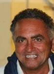 Roberto, 52  , Catania