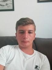 Gennaro, 18, Italy, Acerra