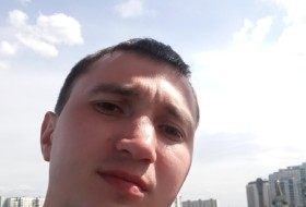 Andrei, 35 - Just Me