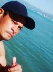 João calos, 39  , Caraguatatuba