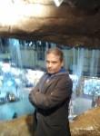 Tito, 47  , Cairo