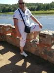 Aleksandr, 45  , Stade
