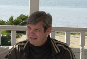 Valeriy, 62 - Just Me