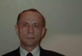 Vasiliy, 66 - Just Me