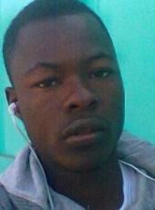 Dit Akon, 19, Ivory Coast, Abidjan