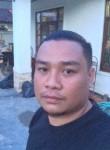 nath, 33  , Vientiane